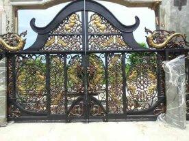 Motif dan Model Gerbang KlasikbTerbaru yang kami pasang dikediaman Bupati Kutai, dengan ornamen besi tempa antik