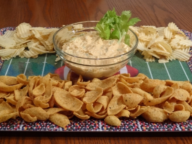 Chickin' Chicken Buffalo Blue Cheese dip party tray #NaturallyFresh