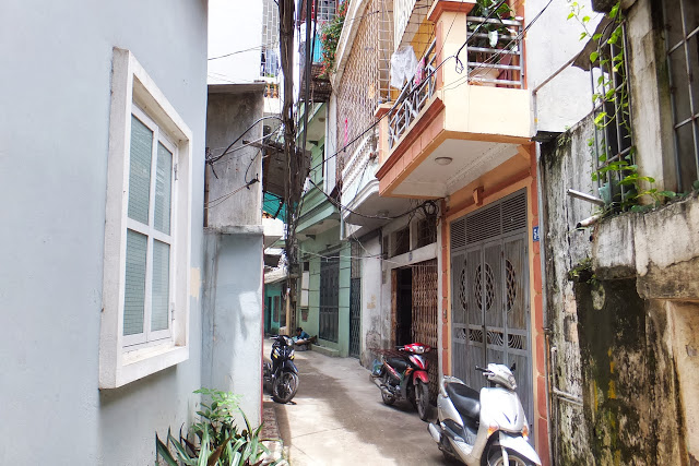 hanoi-back-alley ハノイの路地裏