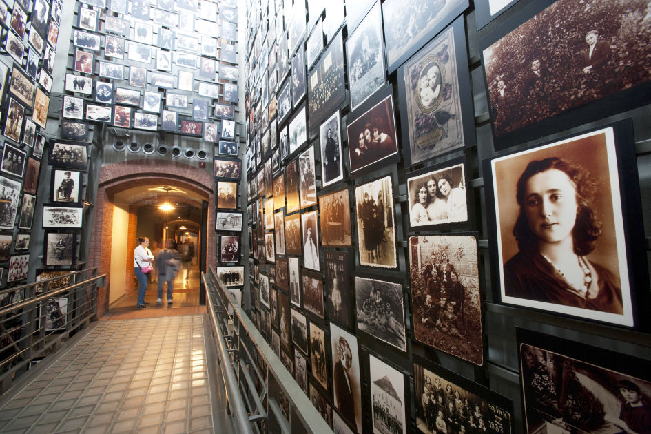 an overview of the tragic event holocaust in the united states of america Historical summary of the holocaust the holocaust was the state-sponsored, systematic persecution and annihilation of european jewry by nazi germany and its collaborators between 1933 and 1945.