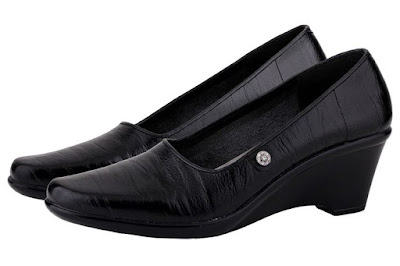 Grosir Sepatu Kulit Perempuan