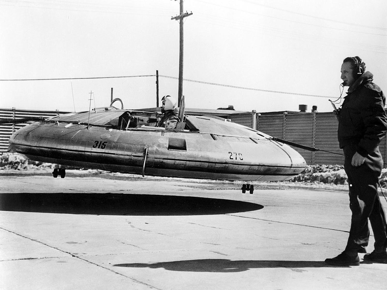 Força Aérea Americana com disco voador