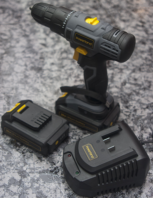 Atornillador POWERLAND D023 20 V
