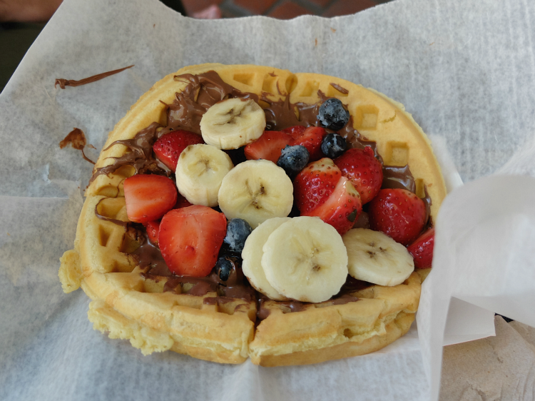 Walt Disney World dining, Magic Kingdom, Sleepy Hollow Fruit Waffle with Nutella Spread