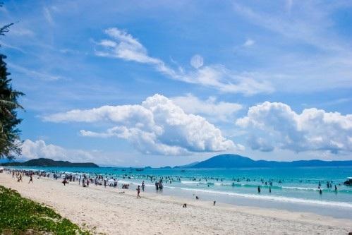 Bãi biển Đồ Sơn siêu đẹp.
