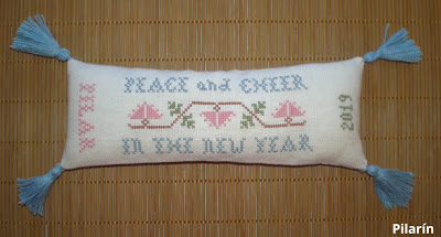 Homespun Elegance - Peace and Cheer
