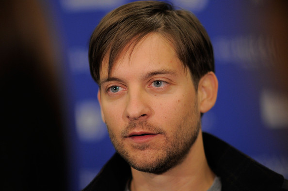 Hollywood: Tobey Maguire Profile, Bio, Pics And Wallpapers тоби магуайр