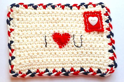 http://rubyandcustard.com/free-stuff/crochet-valentine/