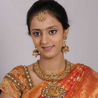 Lakshmi Pranath Wiki, Height, Weight, Age, Husband, Family and Biography