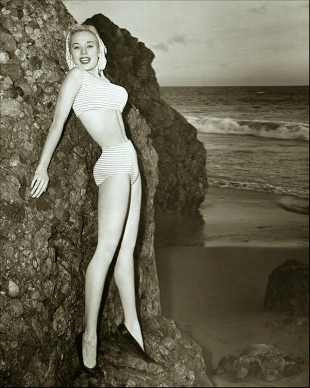 Betty Brosmer Nude 10