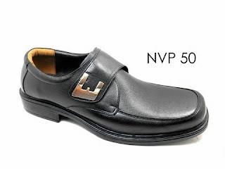 Sepatu Pantofel Pria Sekolah Mojokerto Tipe Pendek