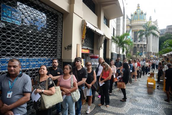 Brasil perdeu 1,528 milhão de postos de trabalho no 1º trimestre, revela IBGE