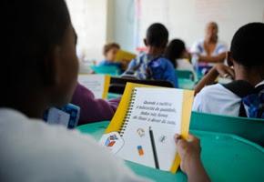 Brasil cai em ranking mundial de educação e está entre os piores desempenhos