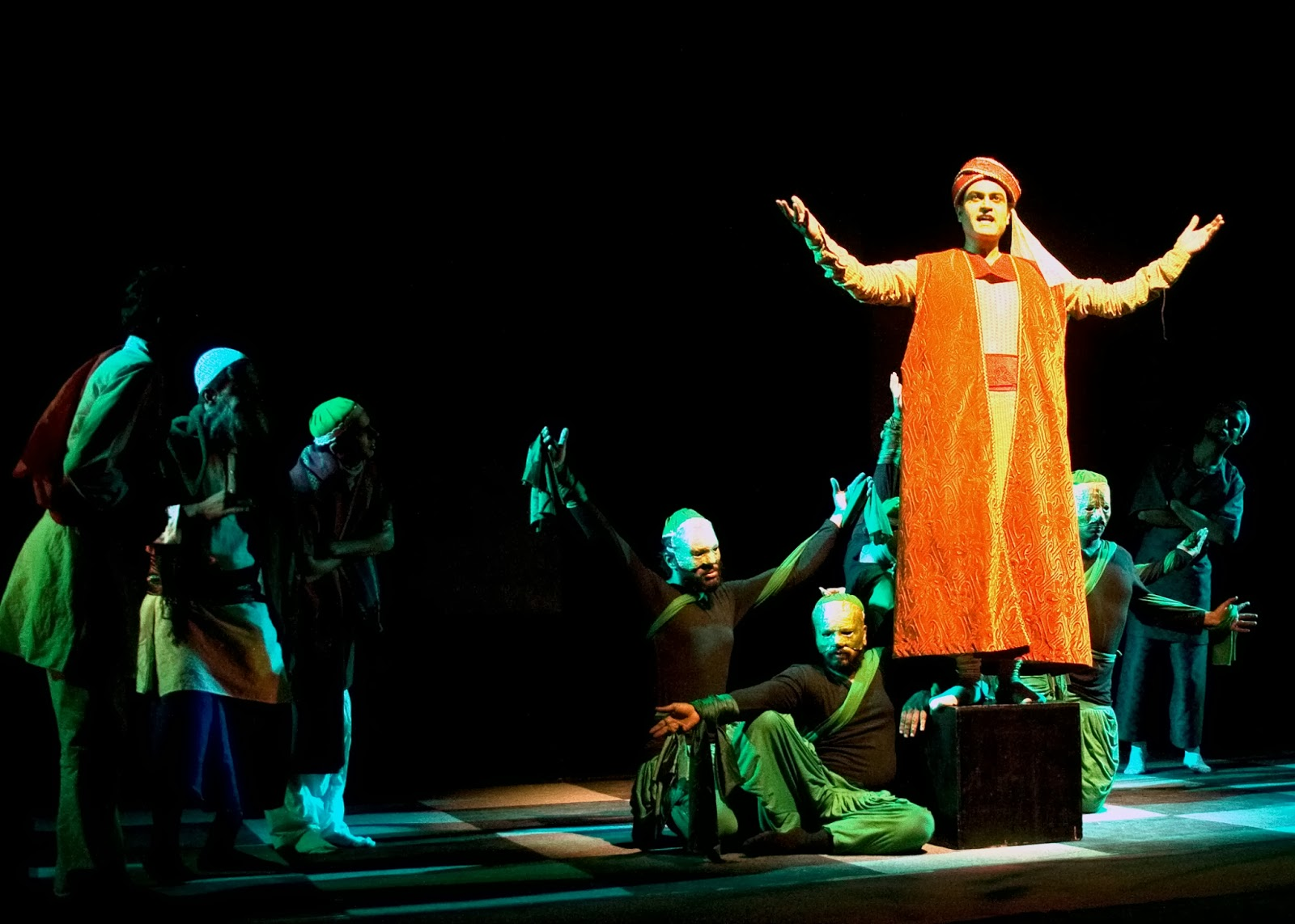 voice of imprisoned woman in girish karnad Karnad in his play naga-mandala exposes the male discrimination, women oppression, the injustice done to women in the patriarchal system and also mythical and historical practices in the male domination world.