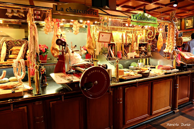 Les Grands Buffets