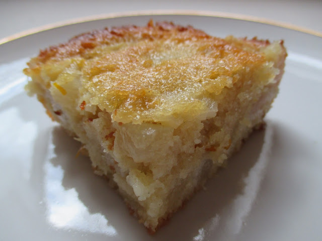 Vanilla-Pear Cake Slice