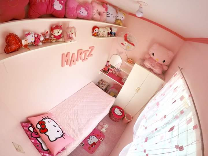 Hello Kitty-themed room