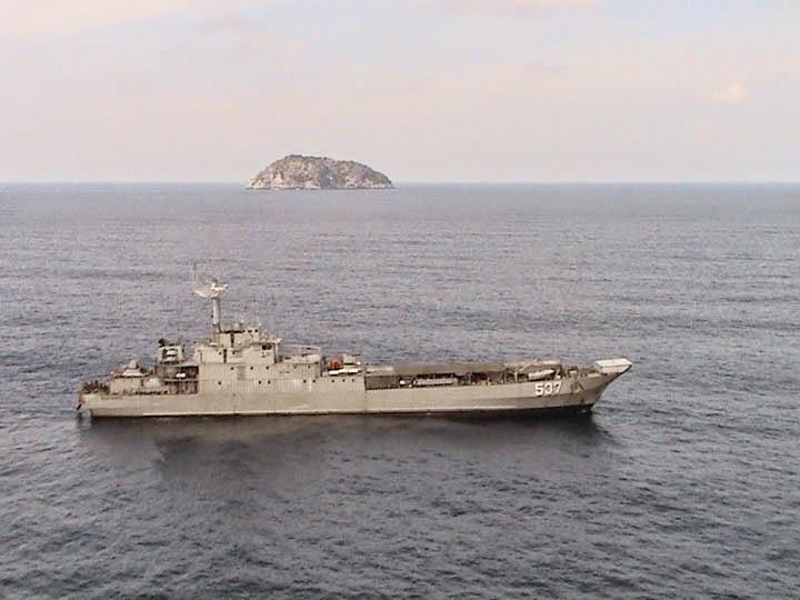 KRI Teluk Manado 537 Dukung Operasi Pamtas Papua Nugini