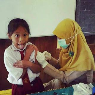 Gambar lucu suntik imunisasi 1