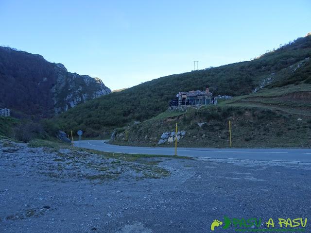 Carretera AS-253 por el Fielato