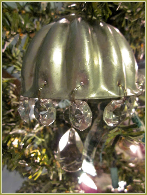 vintage jello bell on tree