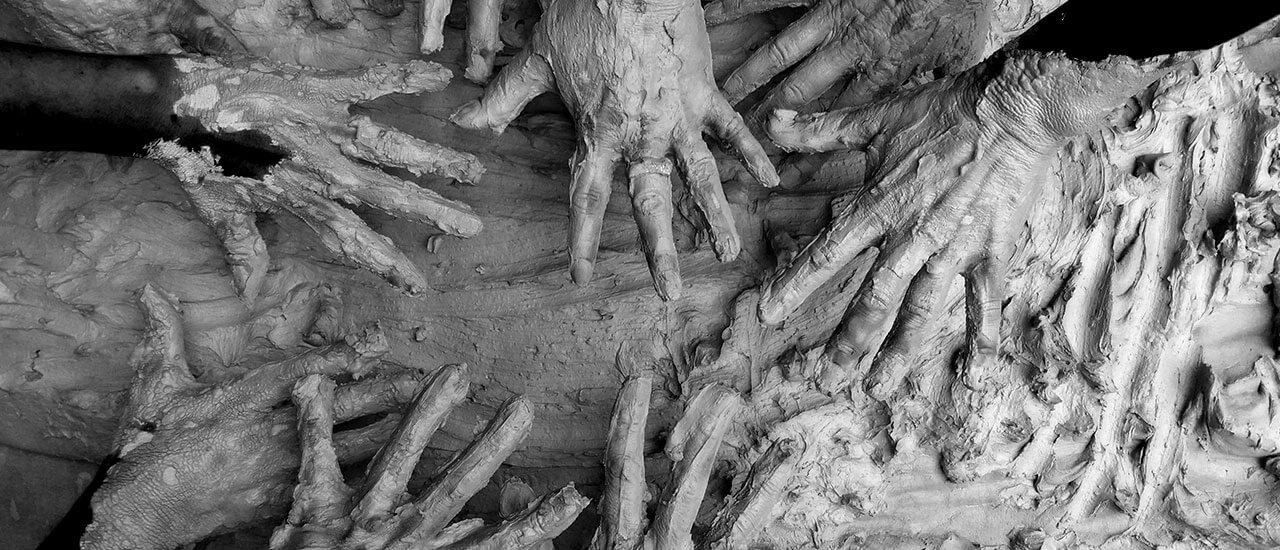 तुमचेच पुतळे तुम्हीच उभारायचे - मराठी कविता | Tumachech Putale Tumhich Ubharayache - Marathi Kavita
