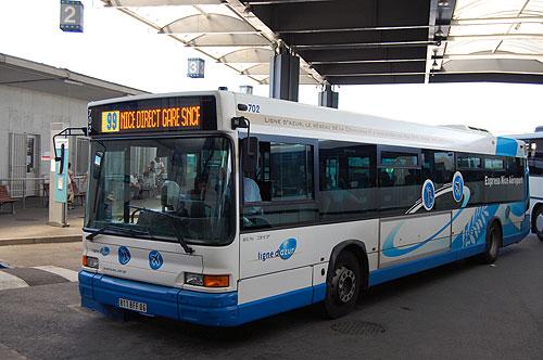 Ir de ônibus do aeroporto de Nice até o centro