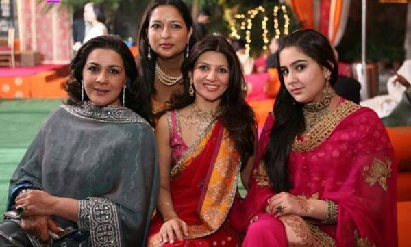 Entertainment World: Saif Ali Khan WifeSaif Ali Khan Wife