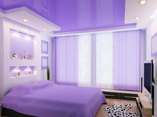 Фиолетовый потолок в спальне