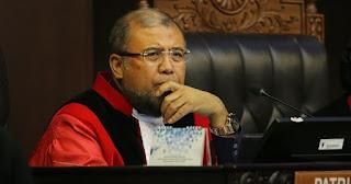 Rapor Merah dan Kontroversi Patrialis Akbar Jadi Hakim MK