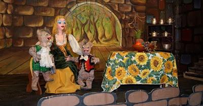 LA CENICIENTA (Marionetas en Familia) 1