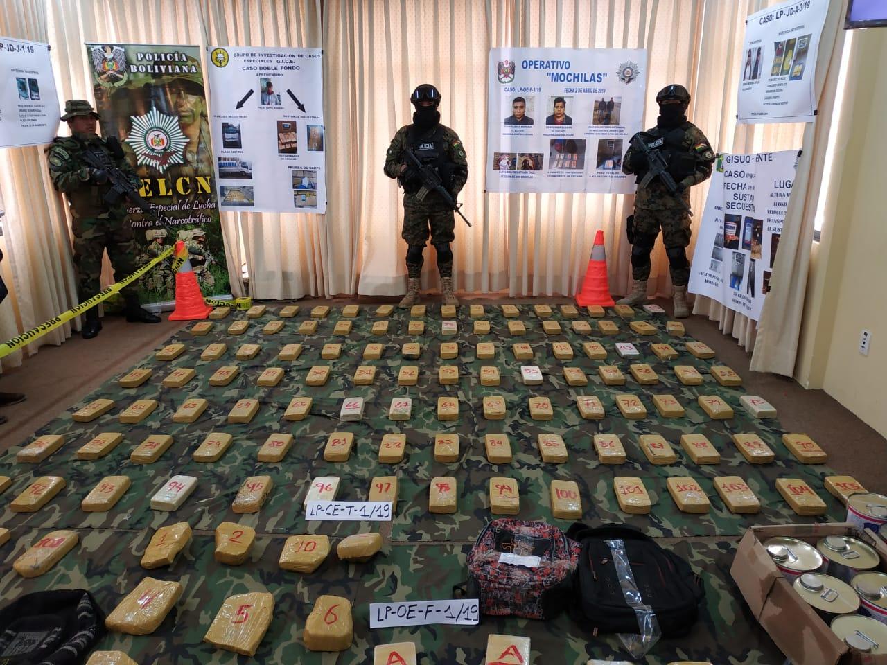 Paquetes de cocaína y marihuana incautadas en operativos de la FELCN / ÁNGEL SALAZAR