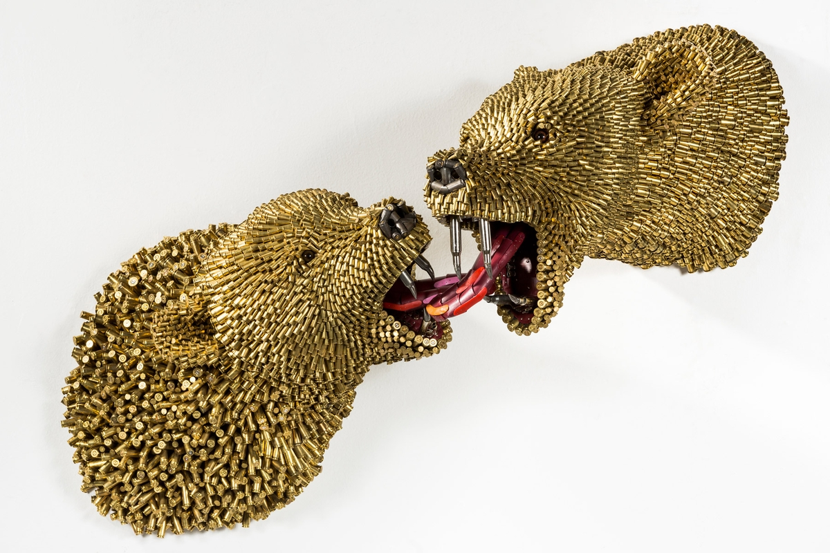 07-Bears-Federico-Uribe-Killing-it-with-Bullet-Animal-Sculptures-www-designstack-co