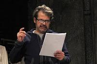 Ο Στάθης Μαυρόπουλος πρωταγωνιστεί στην παράσταση 'Μια ζωή θέατρο'