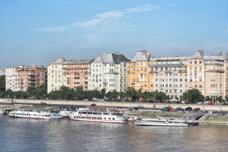Quais de Budapest depuis l'île Marguerite à Budapest