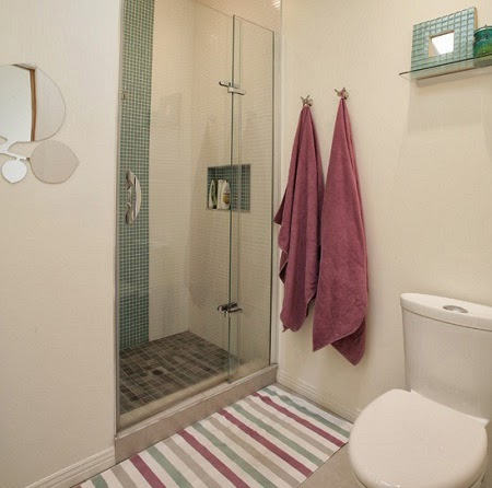 23 kamar mandi ukuran mungil minimalis yang keren