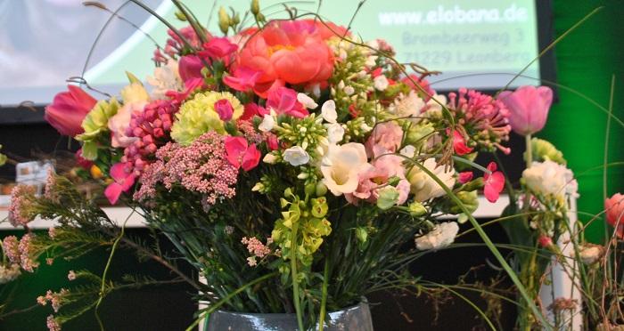 Blumen arrangieren lernen
