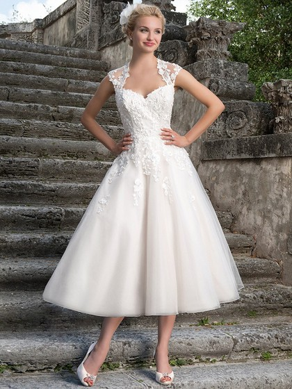 http://www.dressfashion.co.uk/product/fashion-ball-gown-white-organza-appliques-lace-tea-length-wedding-dress-ukm00022326-14400.html?utm_source=minipost&utm_  medium=1085&utm_campaign=blog