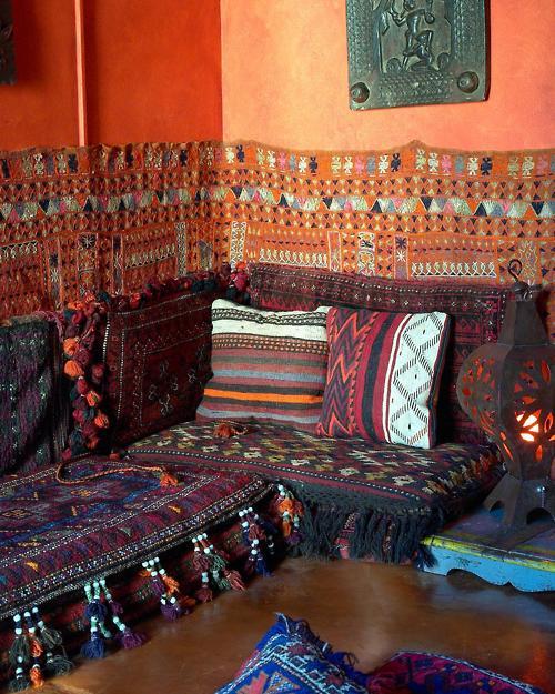 Moon to moon kilim love moroccan interiors - Living room hookah lounge la jolla ...