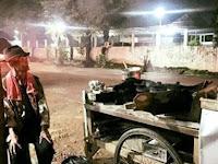 Kakek Penjual Serabi di Bogor ini Hanya Dusuk Termenung Karena Dagangannya Tak Laku