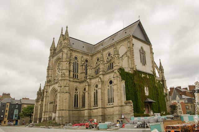 Rennes que ver catedral viaje coche Bretaña Francia