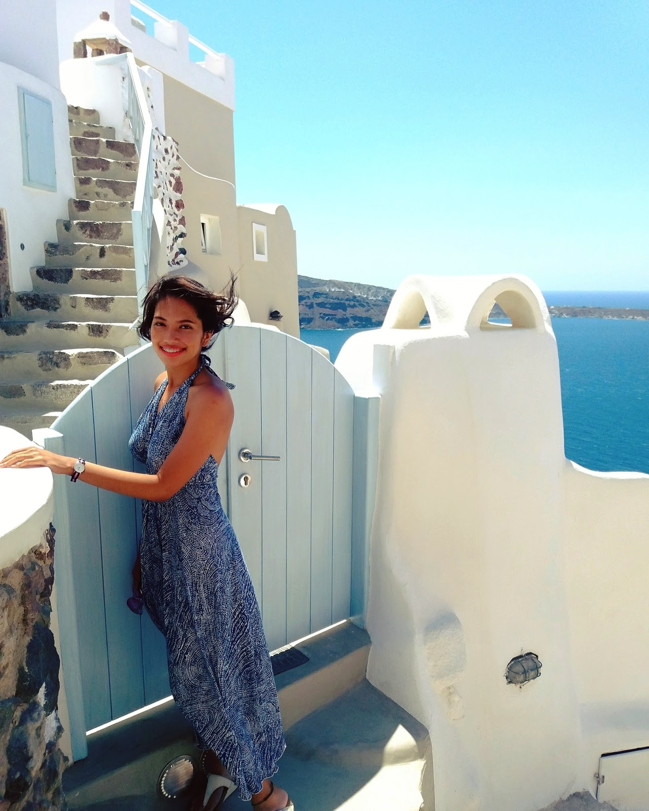 How to visit Santorini on a budget | Ummi Goes Where?