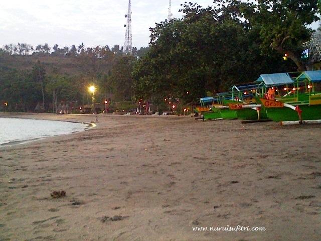tempat wisata honeymoon terindah di lombok nurul sufitri social media mom blogger writer traveloka traveling pantai senggigi