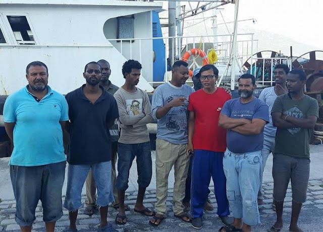 17 ξένοι ναυτεργάτες πέντε μήνες έχουν εγκαταλειφθεί στο λιμάνι της Καλαμάτας και ζουν σε άθλιες συνθήκες
