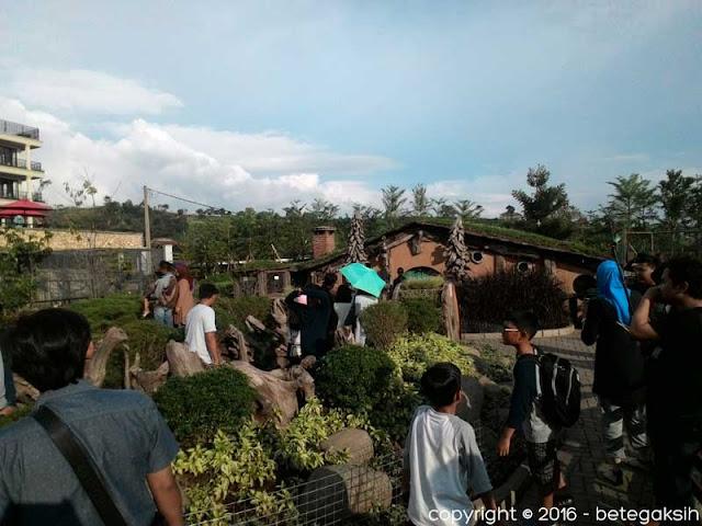 Rumah The Hobbit di Farmhouse Lembang, Bandung