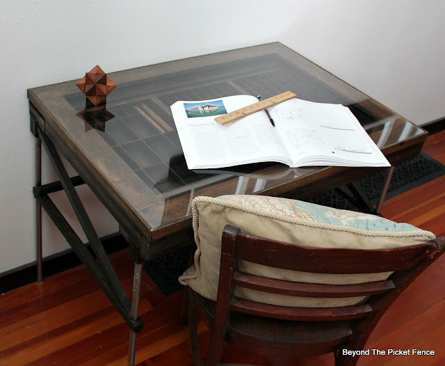 drafting table, industrial, desk,  build it, reclaimed wood, printers tray, http://goo.gl/mtjRjv