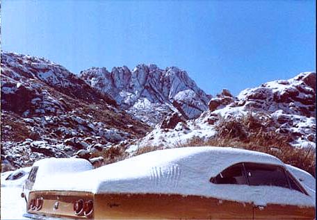 Resultado de imagem para neve em itatiaia 1985