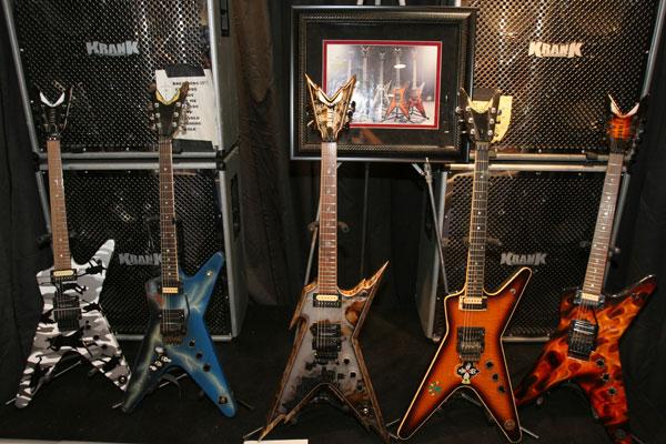 world guitar guitar world. Black Bedroom Furniture Sets. Home Design Ideas