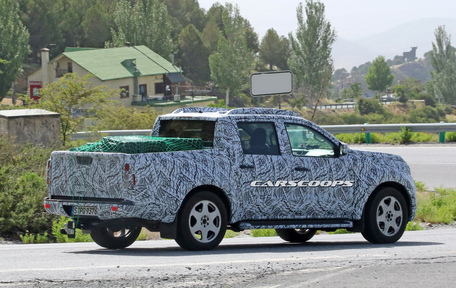 Mercedes Spied Testing 2018 GLT Pickup Mule, Could Come To ...
