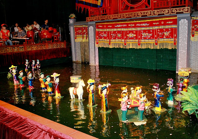 Thang Long Water Puppet Theatre debuts in Poland 2